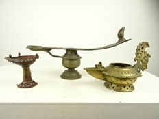 Three bronze oil lamps – India – 19th and first half of the 20th century