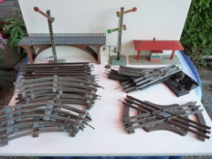 Scale 0 - HWN/Lionel/and others - various rails, points, signals and several accessories