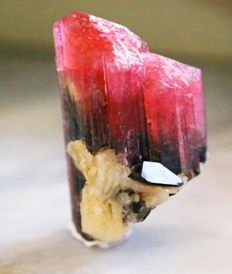 Natural Rubellite Color Twin Tourmaline Crystal combine - 3.2 x 2.4 x 1.7 cm - 23.9 gm