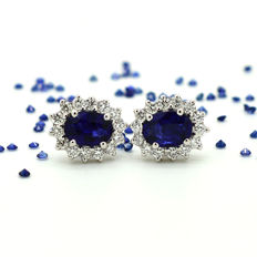 Gold earrings with sapphires and diamonds for a total of 2.53 ct