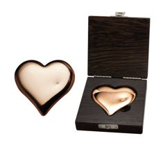 500g polished copper heart, manufactured by a German refinery of precious metals.