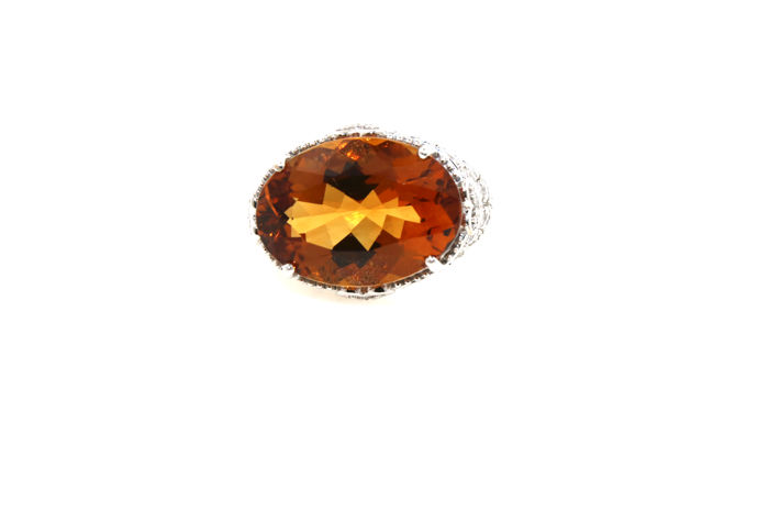 750 /- white gold ring with 1 large natural citrine 10.83 ct + 76 brilliants 1.60 ct vvsi tw ring size 55