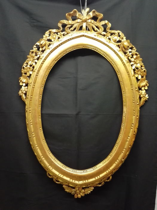 Carved and gilt wood frame for a wall mirror - Louis XV style - Florence, Italy - 19th century