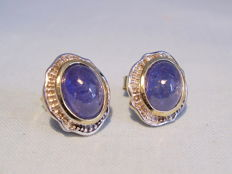 Tanzanite earrings with polished tanzanite cabochons of 4 ct