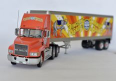 Franklin Mint - Scale 1/43 - Mack Ringling Bros and Barnum & Bailey Circus Truck