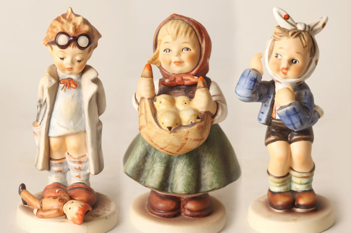 Hummel Goebel Figurine No. 385 / 127 / 217 Chick Girl - Doll Doctor - Boy with Toothache (56030)