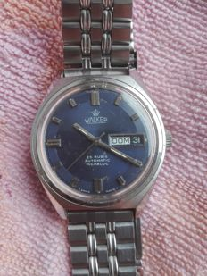 Walker brand men's day/date wristwatch from the 1960s/70.