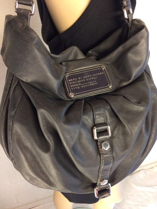 f9d22df882ac Marc Jacobs - leather shoulder bag   shopper - Catawiki