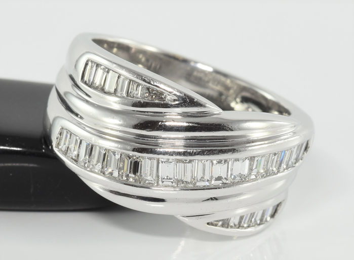 0.90 ct VS1 / F-G diamond ring in white gold - Size 53 / 16.8 mm
