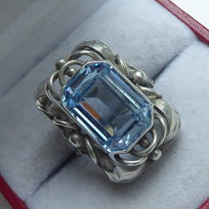Antique silver ring in Jugendstil style with light blue topaz.