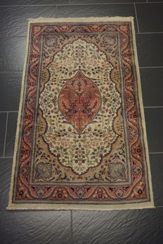 Beautiful hand-woven Orient carpet Qom tree of life medallion pattern 80 x 140 cm wool made in Pakistan 'very good'
