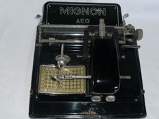 Typewriter Mignon model 3, 1923 by AEG