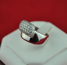 Pavé Diamonds (total 2.00ct Av.H/ VS-SI) set on White 18k Gold Ring - E.U Size  57 (resizable)