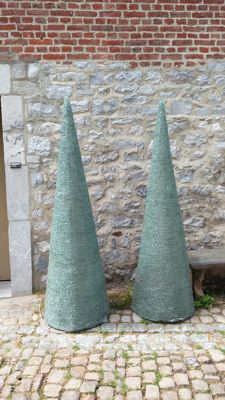 2 monumental conical lamps in glass, end of the 20th century