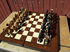 Wood veneered chessboard with hand-painted Egyptian chess pieces
