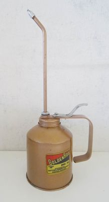 Old metal American oil can Golden Rod