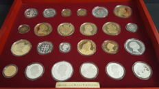 """Portugal - INCM - Wooden box / showcase containing a collection of 24 medals replicas of coins minted in 925 sterling silver, of which 12 were enriched with a gold bath of 24k, allusive to the """"History of the Portuguese Currency"""", issued officially Contra"""