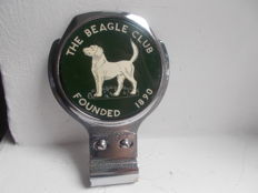 vintage THE BEAGLE CLUB chrome car badge with bracket to the badge bar rare and original