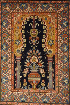 Old silk carpet - Hereke made in Turkey - silk on silk - rare fine 1,200,000 knots m² - 47 x 70 cm - signed Hereke - very good condition