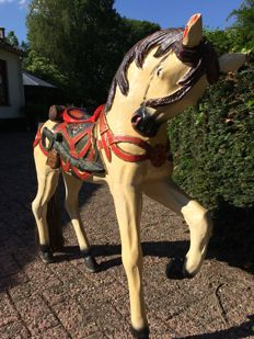 Unique very large original carousel horse (over 1 meter tall!)