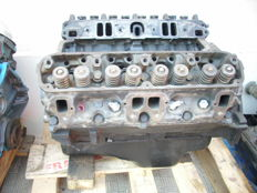 V 8 Mopar 318 engine for Dodge, Plymouth cars - 1970s