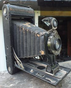 Old camera Kodak No. 3A Folding Autographic Brownie from 1916