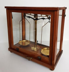 Large oak apothecary scale, England, 1900/1920