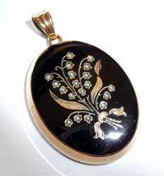 Large pendant medallion with 585 / 14 kt gold element – motif: Lilies of the valley with seed pearls