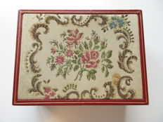 Rolex watch box - embroidered decoration - 50s