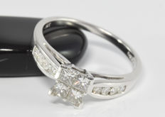 0.60 ct diamond ring in 18 kt white gold - Size: 56.4 / 18 mm ** no reserve **