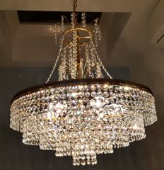 High quality crystal chandelier, first half of the 20th century.