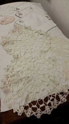 Large lot, pillow lace, Flanders and crochet, circa 1920