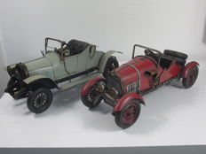 2 handmade metal classic cars - highly detailed - 40 cm