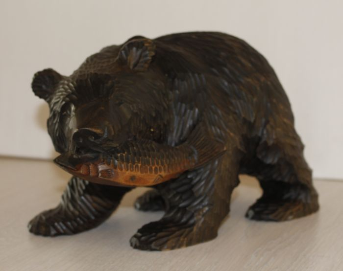Black Forest - Bear with fish - 1930