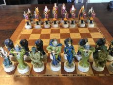 Very beautiful chess set, theme King Arthur - the Chessmen