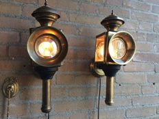 Two beautiful copper/brass/metal train lamps/boat lamps/decorative theatre lamps with cut glass - 20th century.