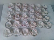 Royal Albert - Various porcelain gentleman's cups and saucers - 28 pieces