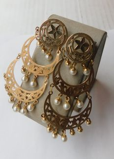 Earrings in 18 kt gold with pearls - Length: 6.5 cm