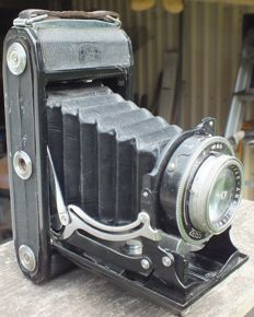 Old camera ZEISS ICON Ercona from 1949