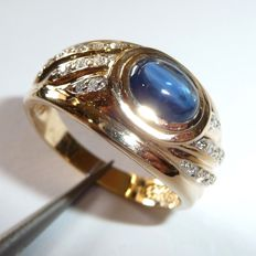 14kt / 585 gold ring with big sapphire cabochon and 20 white diamonds ring size 63 / 20mm