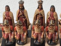 Historical chess set: Incas versus Spanish Conquerors