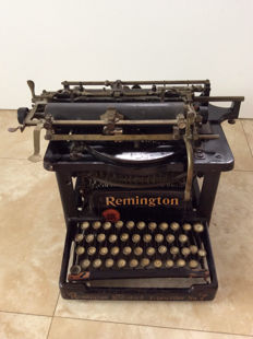 Antique Remington 7 touch type typewriter, approx. 1894, United States.