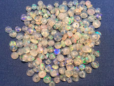 Lot of natural Opal beads from Ethiopia - 41.5 carats (210)