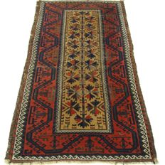 "Semi-antique Beluch – 158 x 87 cm – ""Persian prayer rug in beautiful, worn condition""."