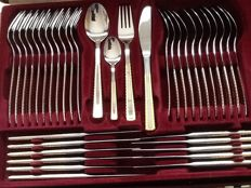 Solingen cutlery model 'Berlin'- 24 carat gilded - In mint condition - 12 persons - 70 pieces