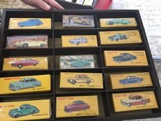 Atlas-Dinky - Scale 1/43 - Lot with 32 models: Ford, Simca, Mercedes, Fiat, Lincoln, Citroen, VW, Volvo, Opel & Panhard