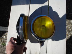 Two BOSCH FOG LIGHTS with a diameter of 160 mm from the 1960s and 1970s