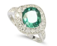 Green Emerald 18Kt White Gold Diamond Ring, Weight: 5.05gram (No Reserve)