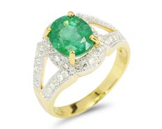 Green Emerald 18Kt Yellow Gold Diamond Ring, Weight: 6.39gram (No Reserve)