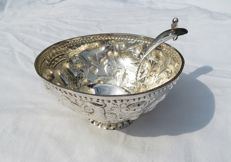 Silver cream bowl with cream spoon, the Netherlands, 18th century